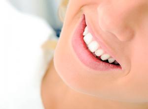 como-clarear-os-dentes-odontoxis-curitiba